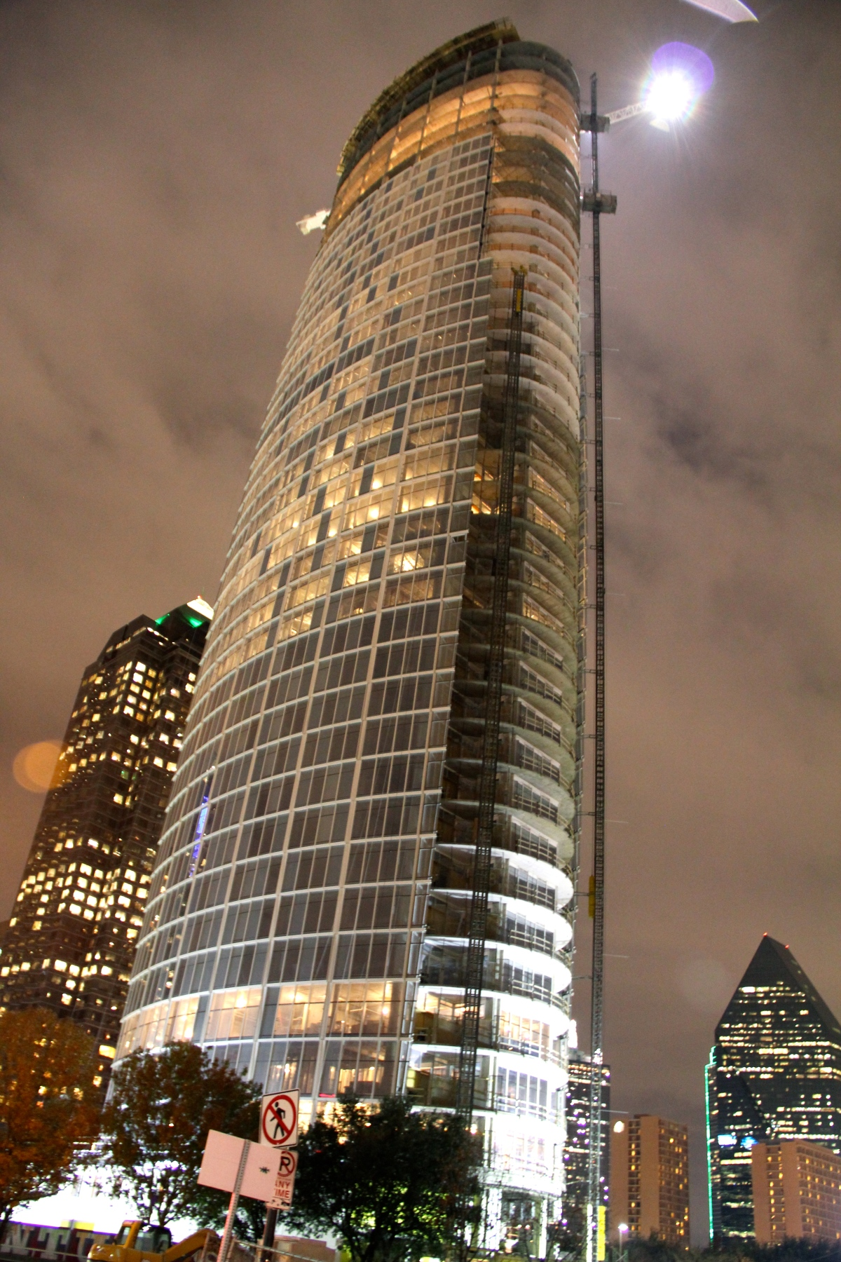 Museum Tower Tour: 43 story skyscraper in Dallas, TX